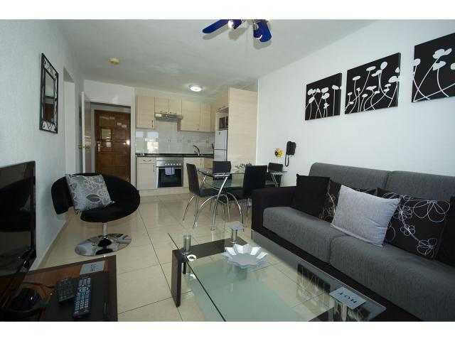 Refurbished 1 bedroom apartment - Tenerife Apartments, San Eugenio, Tenerife